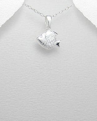 925 Sterling Silver Fish Pendant & Chain